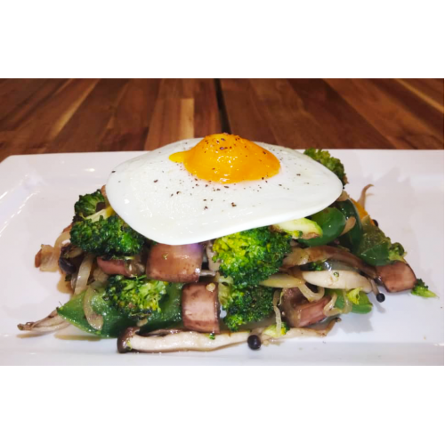 COMMONFOLKS Sunny Side Egg with Vegetables Healthy Meal