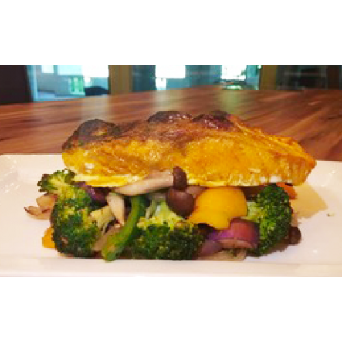 COMMONFOLKS Baked Salmon with Vegetables Healthy Meal