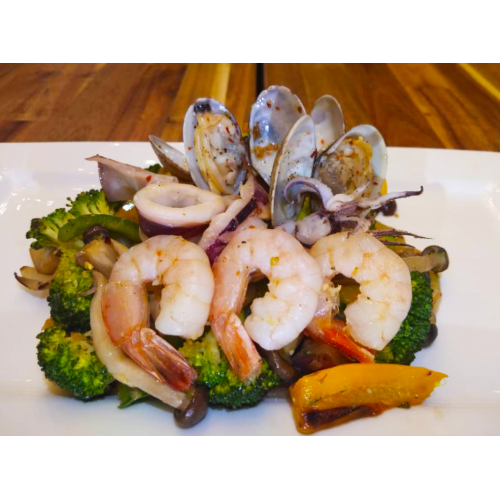 COMMONFOLKS Seafood with Vegetables Healthy Meal